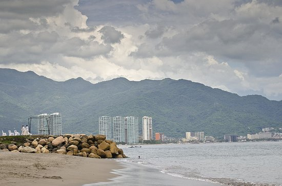 Velas Vallarta : View of town from the beach