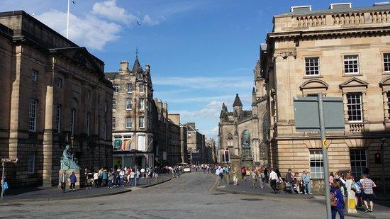 Edinburgh Old Town: Royal Mile