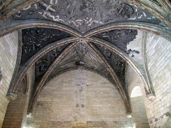 Pope's Palace (Palais des Papes): una delle volte di una navata