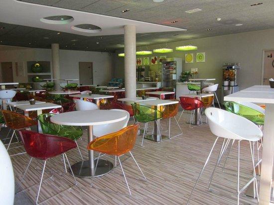 Ibis Styles Troyes Centre: La salle du petit déjeuner