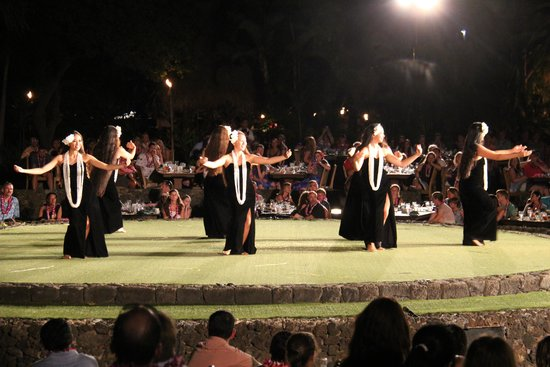 Old Lahaina Luau: Photos won't do this show any justice.