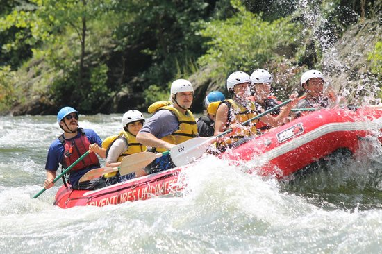 Just as we were hitting a #4 rapid - Picture of Adventures Unlimited, Ocoee - TripAdvisor