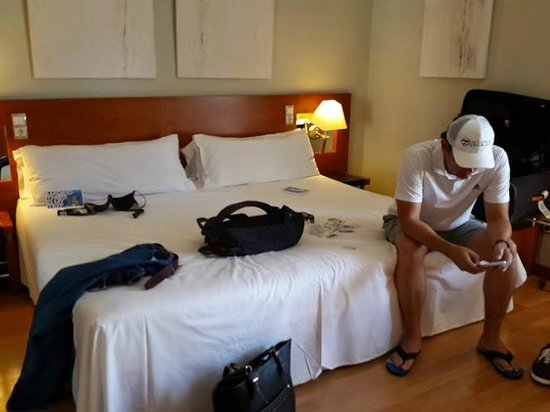 Tryp Madrid Plaza Espana Hotel : Bed