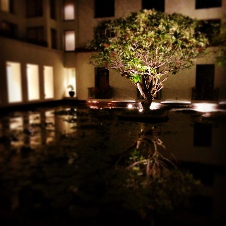 The Sukhothai Bangkok: At night