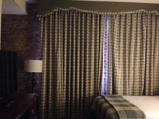 Embassy Suites by Hilton New Orleans - Convention Center : Room