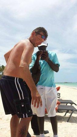 Now Larimar Punta Cana: Moisez