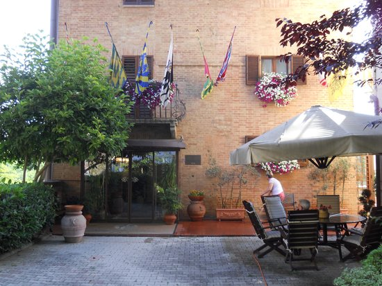 Ingresso hotel Arcobaleno