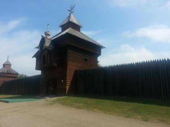 Taltsy Museum: башня