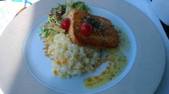 Helena Sands Hotel: Salmon with rice and honey and herbs