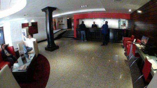 Hotel Real del Rio Tijuana: Lobby