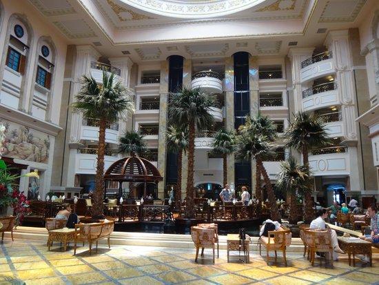 SENTIDO Palm Royale: lobby