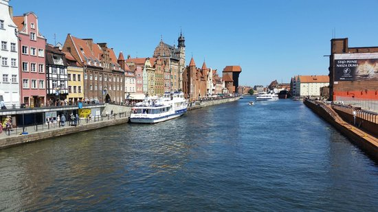Qubus Hotel Gdansk: Motlawa river from Green Bridge, about 5 mins walk from the hotel