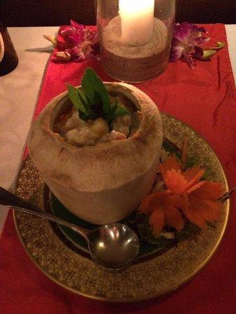 Spirit House Restaurant : Curry crevette dans noix de coco, excellent