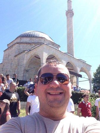 """Sinan Pasha Mosque: Prizren'in Merkezinde Osmanli Kültürünü Yansıtan """"Sinan Paşa"""" Camii"""