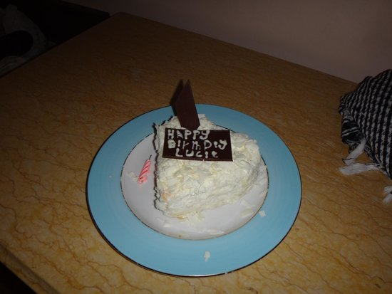 SENTIDO Palm Royale: birthday tart