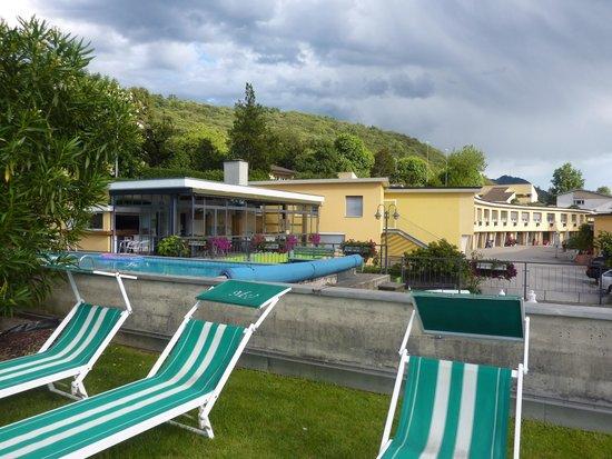 Hotel Vezia: les transats pour se détendre