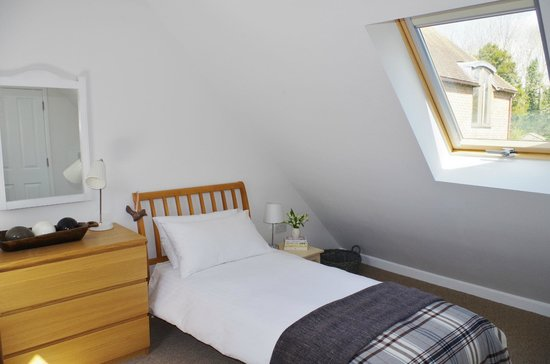 Blandy's Bed & Breakfast: Light, sunny and comfortable beds.
