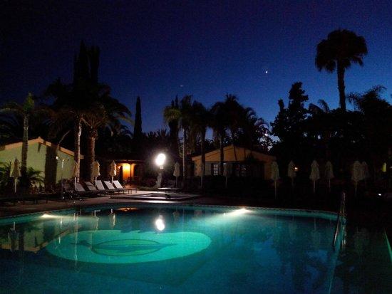 Hotel Dunas Suites and Villas Resort: Pool bei Nacht