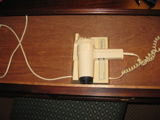 Macdonald Swan Hotel: Open the desk drawer to find the hair dryer