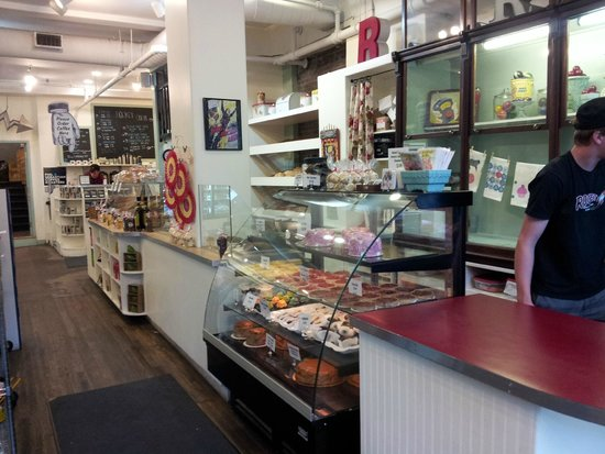 Rocket Bakery and Fresh Food: Rocket Bakery, inside