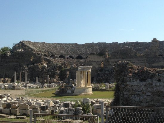 Greek Amphitheater : View from outside its free!