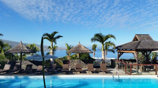Iloha Seaview Hotel : Vue depuis le bar