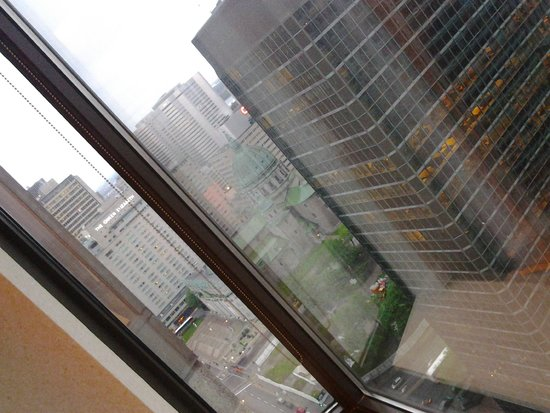 Sheraton Le Centre Montreal Hotel : roomview from 3204