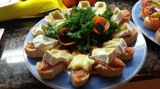 VIK Suite Hotel Risco del Gato: montaditos  de queso