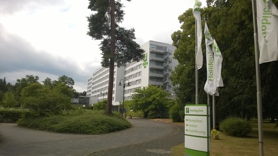 Holiday Inn Frankfurt-Airport North: окрестности отеля