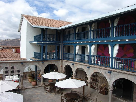 El Mercado Tunqui: Relaxing courtyard