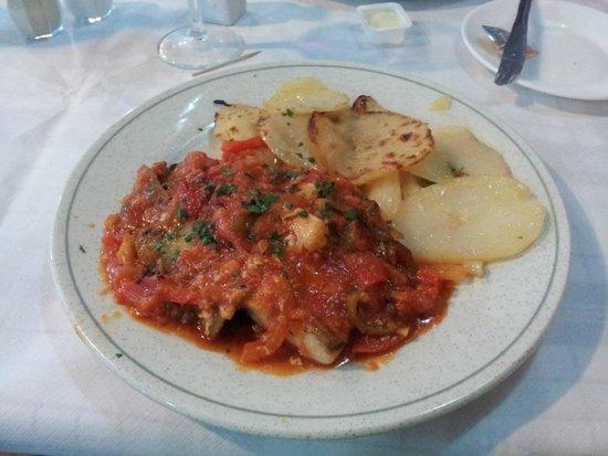 Carnaval: Fish in ratatouille type sauce
