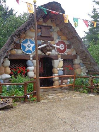 Parc Astérix : village Gaulois