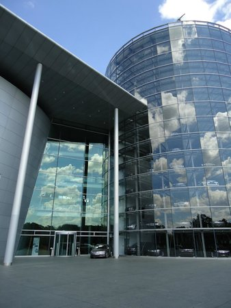 The Transparent Factory of Volkswagen: Exterior