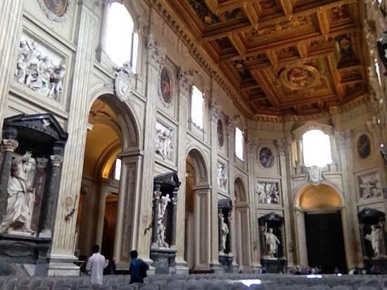 Arcibasilica di San Giovanni in Laterano: San Giovanni di Laterno