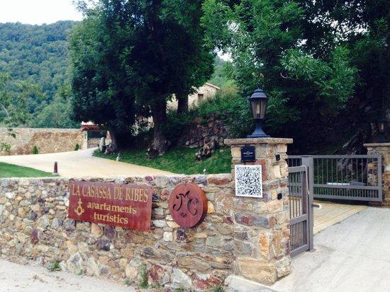 Masia la Casassa : Acceso hotel desde carretera