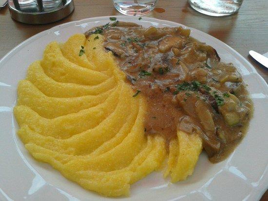 Caffe Val d'Anna: Polenta e funghi
