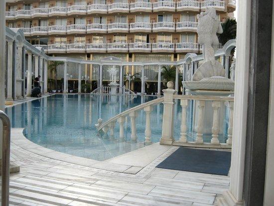 Cleopatra Palace Hotel: piscina