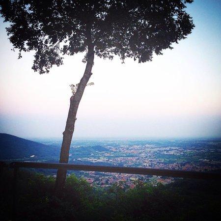 El licinsi Ca' Lenga : Panorama estivo