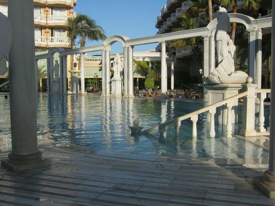 Cleopatra Palace Hotel : piscina