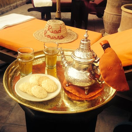 Riad Boussa : Another mint-tea and biscuits in the afternoon on the rooftop terrace
