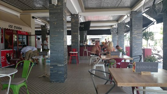 Samira Exclusive Hotel & Apartments : Bar dining area new for 2104