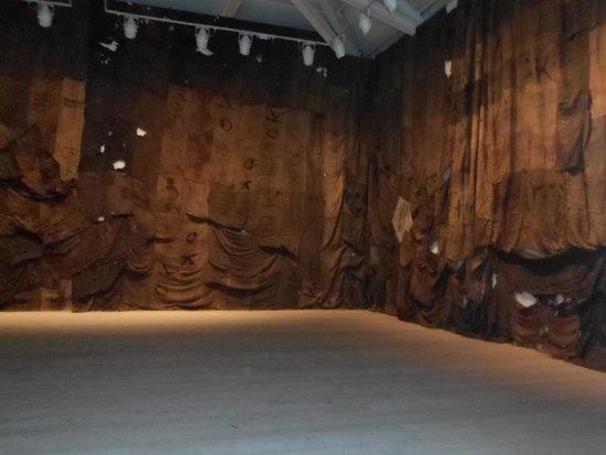 Saatchi Gallery: un'opera emorme