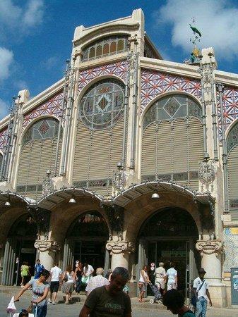 Plaza del Mercado (Plaça del Mercat): entrada del mercado
