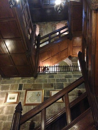 Langley Castle Hotel: Staircase