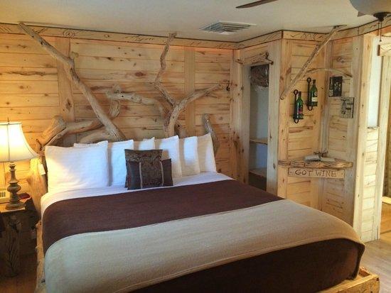 Cedaredge Lodge : King Bed