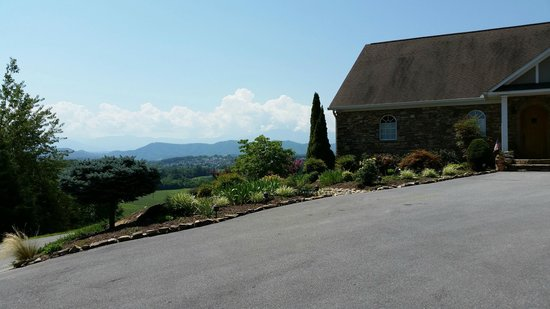 Braeside Inn: View of the Smokies!