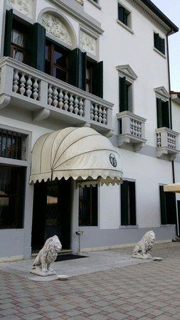 Park Hotel Villa Marcello Giustinian: Eingang