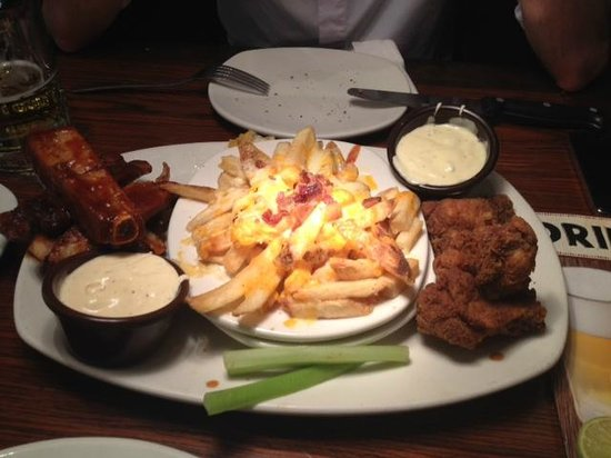 Outback Steakhouse - Center Norte: ribs, chicken and fries!