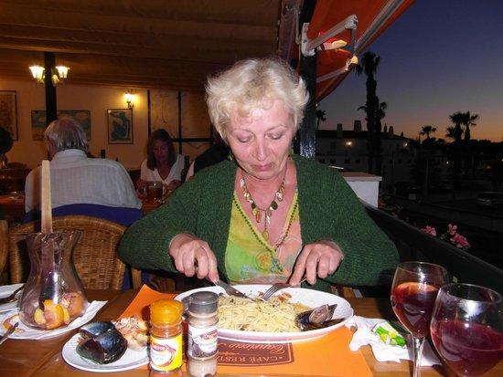 Cafe Restaurant Capriccio Italiano: Nomms