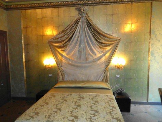 Antica Dimora delle Cinque Lune : Room